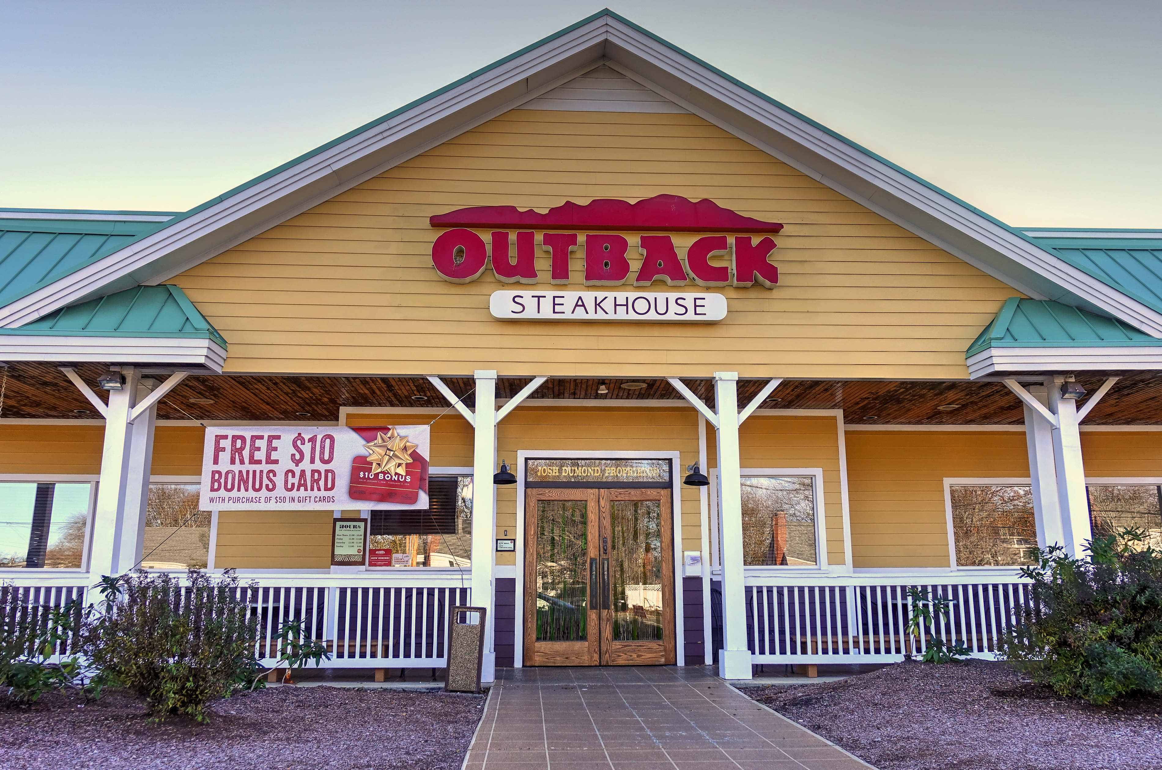 casual dining market research outback