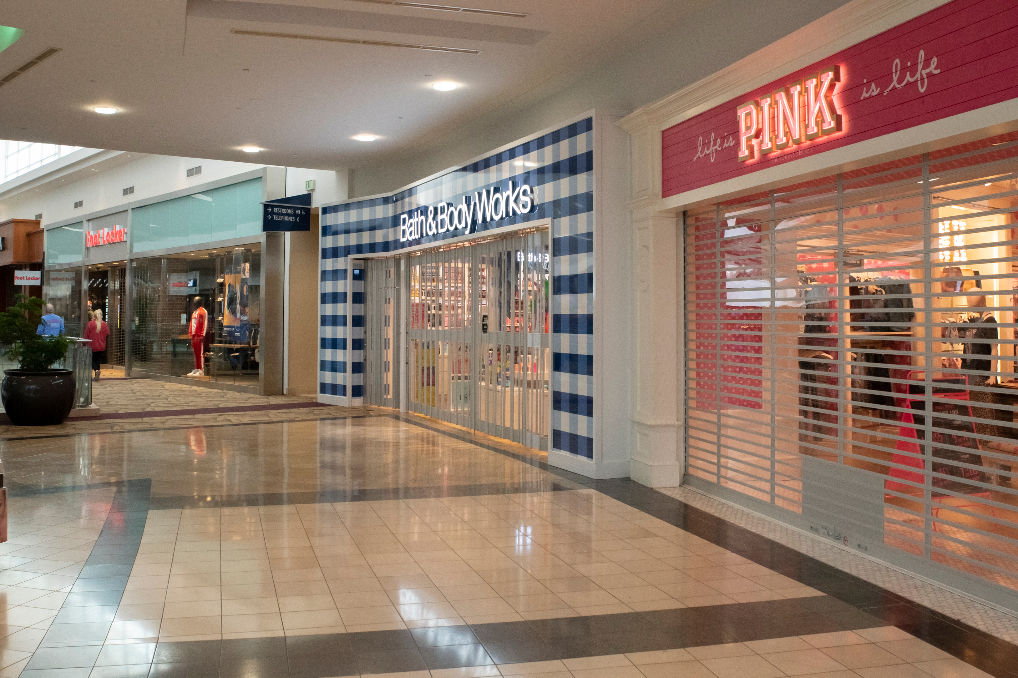 coronavirus retail market research empty mall