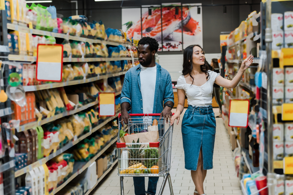 grocery market research couple shopping