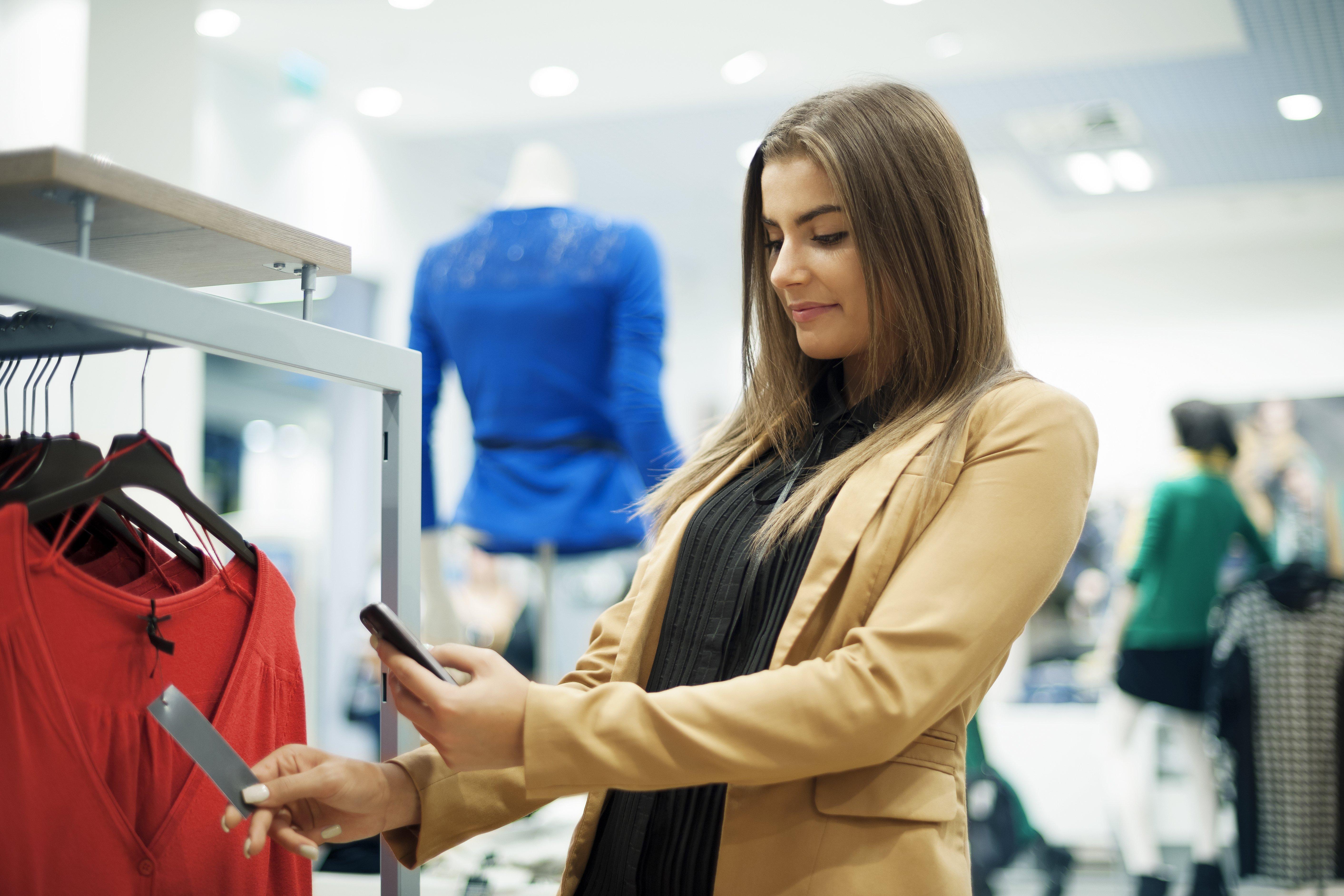 omnichannel retail in store phone